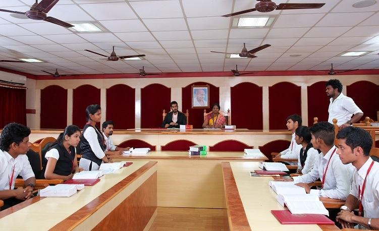 B A LLB Scholarship at SRM University