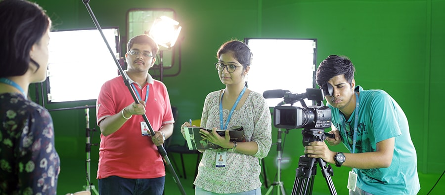 B Sc Multimedia and Animation admission at VIT-India with 40 percent scholarship